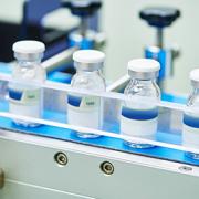 widok linii produkcyjnej leków