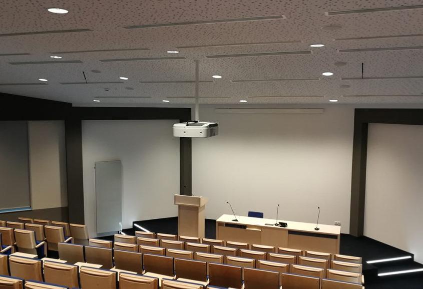 zdjęcie z wyremontowanej auli w Katowicach