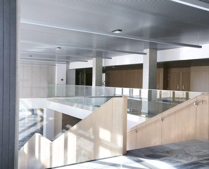 wyremontowany hol główny w Katowicach