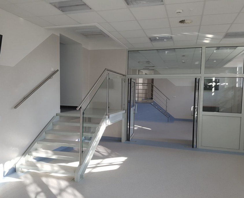 wyremontowany korytarz budynku w Zabrzu